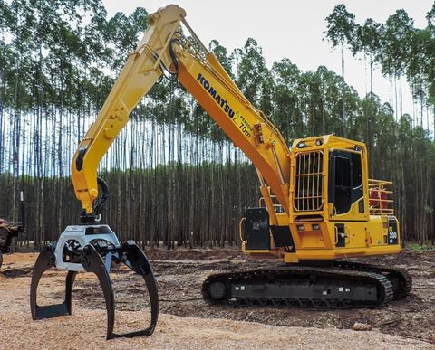 PC 200ll cargador tronco